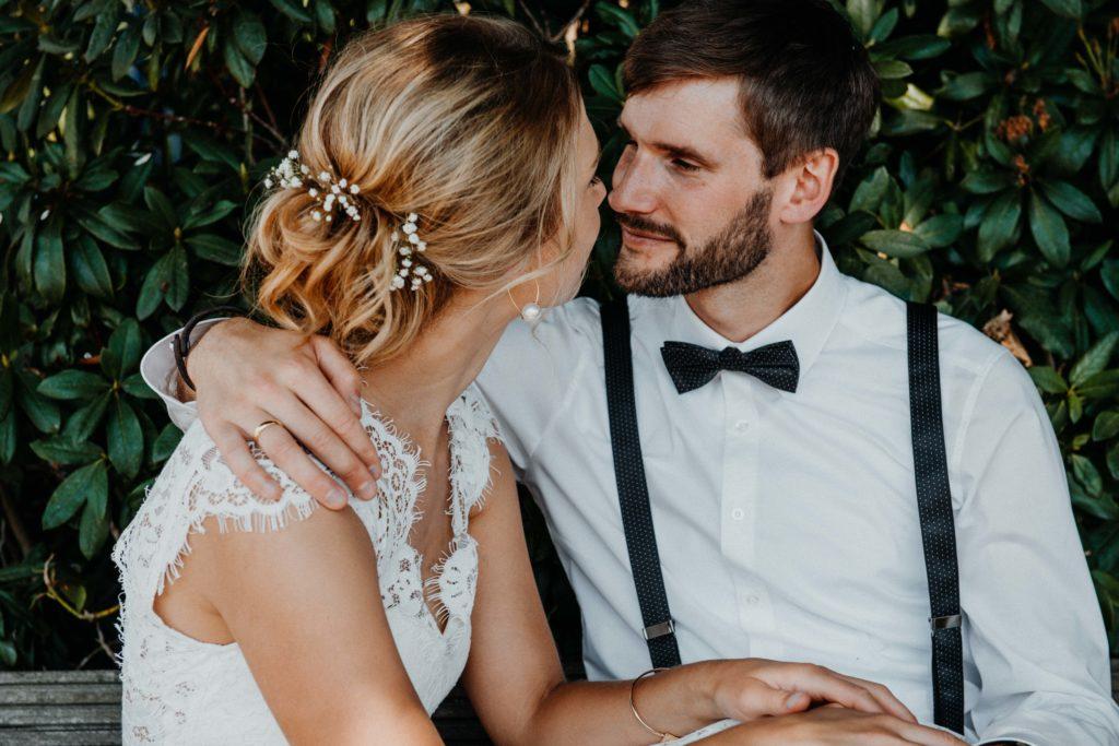 Hochzeitspaar verliebt